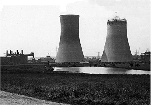 The construction of the cooling towers in the 1920